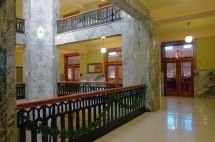courtroom entries from the rotunda railing